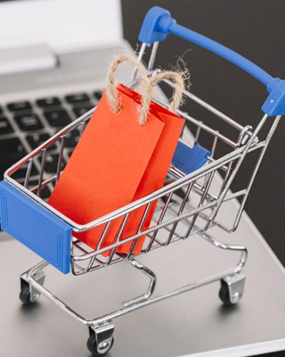 compra online Serviços de vendas on-line é saída para a moda enfrentar a pandemia
